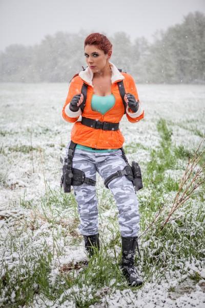 Lara Croft cosplay (Tomb Raider III Antarctica outfit)